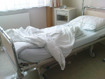 Erwerbslose: öfter im <br/>Krankenhaus als <br/>Nichtbetroffene